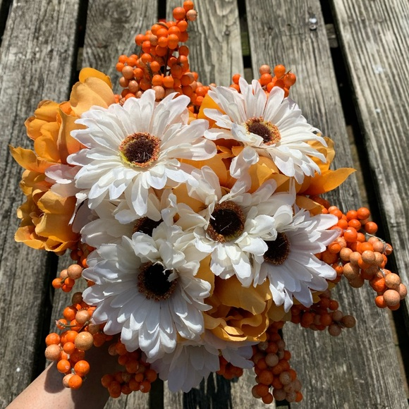 Joann Other - 🍁 Fall Floral-9 Stems 🍁